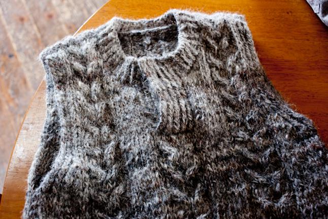 舟田氏が糸から紡いで作ったセーター