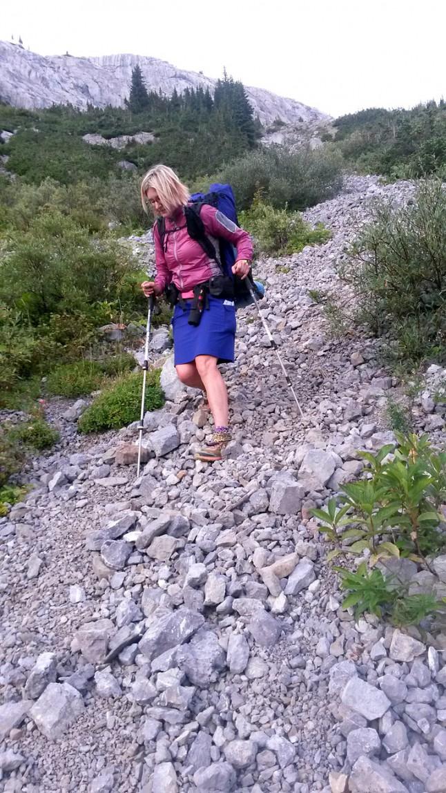 旅の道中でも苦戦した道のひとつだったノーザン・カナナスキス・パスの下り道。The descent from North Kananaskis Pass was one of the most frustrating of the trip so far.