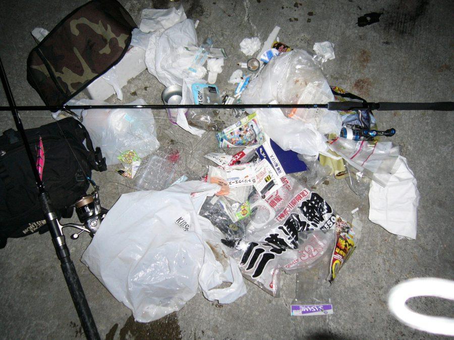 写真3 釣りとゴミ